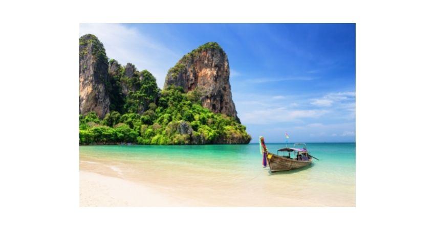 year round sailing destinations