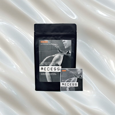 Recess Bacteria Fighting Wipes for oily skin