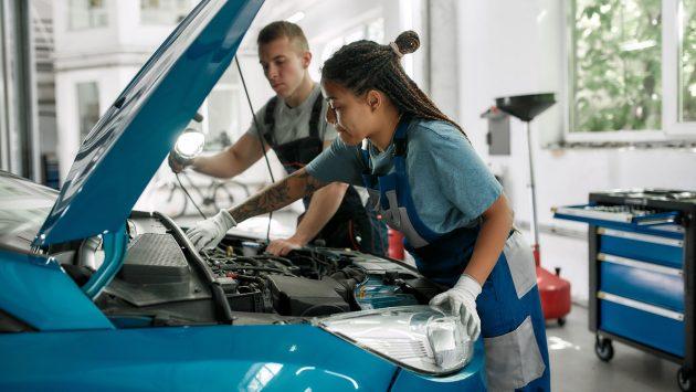 Études d'un CV mécanicien automobile