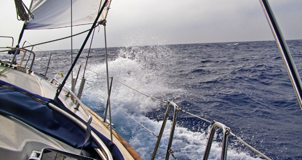 effective angle,  larger boat, sail